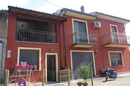 Casa indipendente con terrazzo - Canneto Pavese - Huis