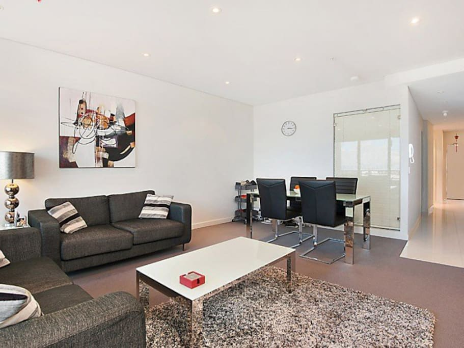 Luxury modern apartment in CBD - Apartments for Rent in ...