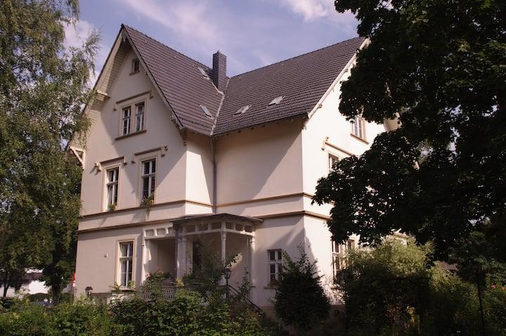 Historische Villa - 3 Zimmer Whg