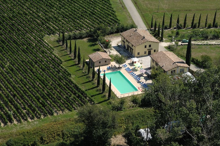 "AGRITURISMO ""VILLAGGIO GREEN""  - Montefalco - Bed & Breakfast"