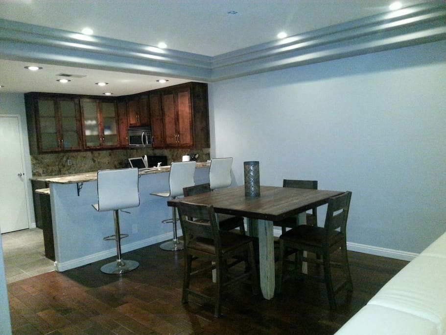 Dining room table, kitchen