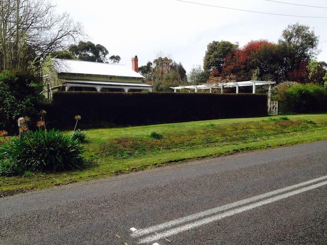 Rabbiter's Cottage.Barwon Downs VIC - Barwon Downs - บ้าน