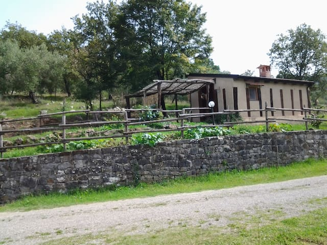 Romantico  Chalet nel Bosco - Roccagloriosa - กระท่อม