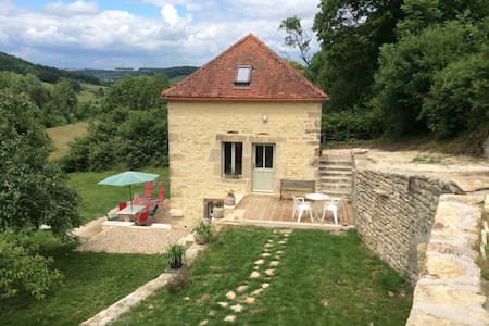 Cottage for 4 in Flavigny quiet, garden and views - Flavigny-sur-Ozerain