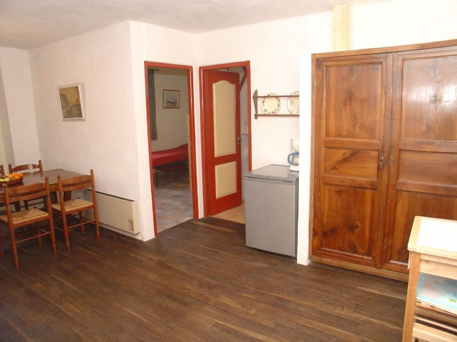 The doors to the 2 bed-rooms