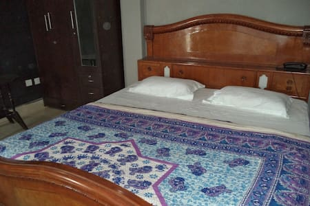 Lime -Villa on the Ganga Ghat INDIA - Bed & Breakfast