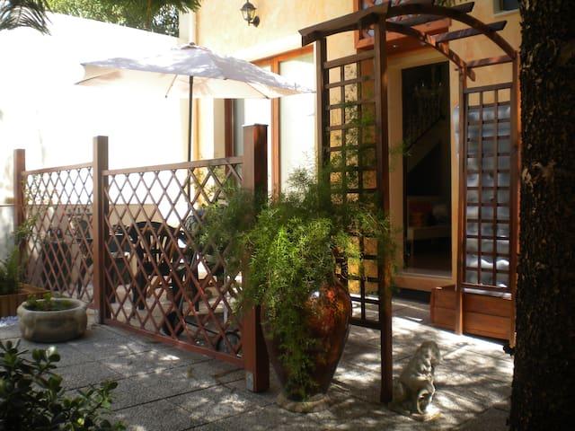 Silenziosa casa in centro storico - Quartucciu - Casa