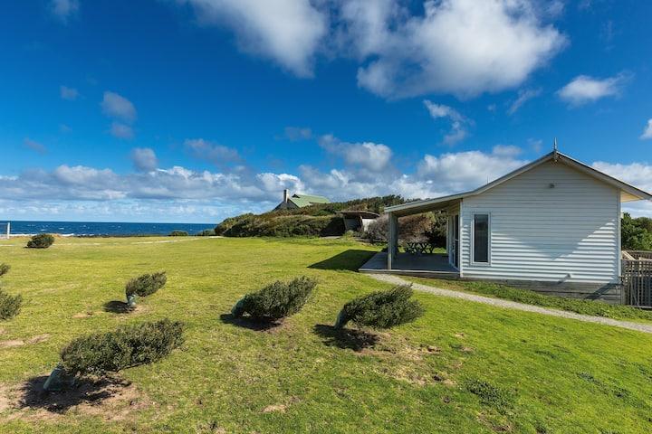 "Beachfront Cottage - ""Amhurst"""