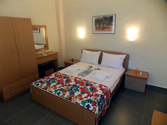 Nikos Apartments - Ormos Panagias - Apartament
