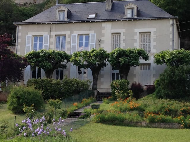 Chambre double dans belle maison - Poitiers - House