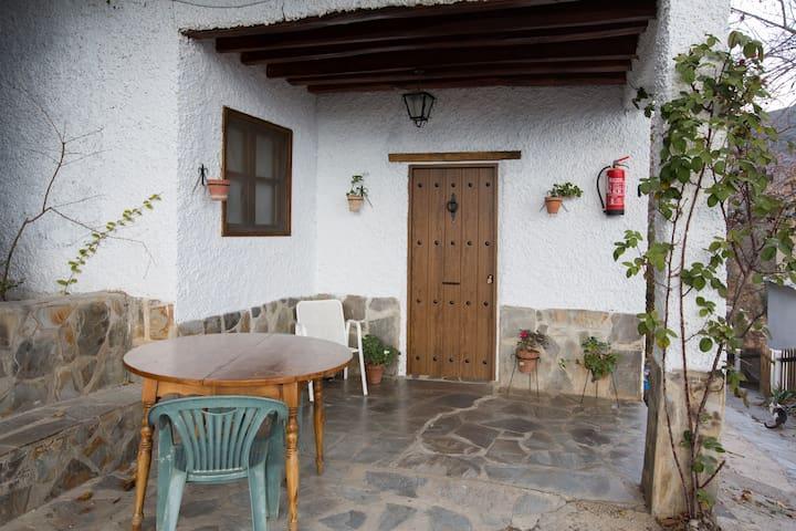 Barranco de la Salud - EL PORCHE - Laroles - Granada - Dům