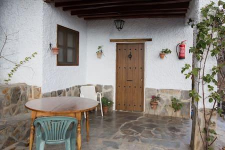 Barranco de la Salud - EL PORCHE - Laroles - Granada - House