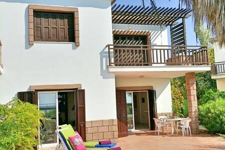 Seafront Villa on beach in Larnaka - Larnaka