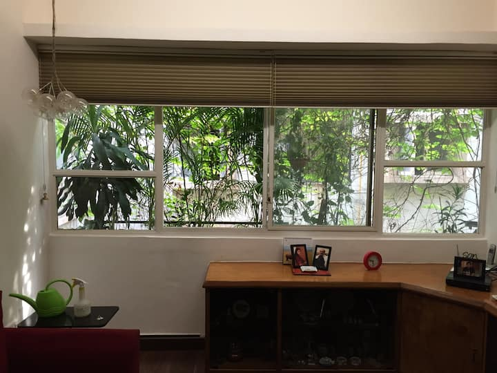 Airconditioned private deluxe room near NID