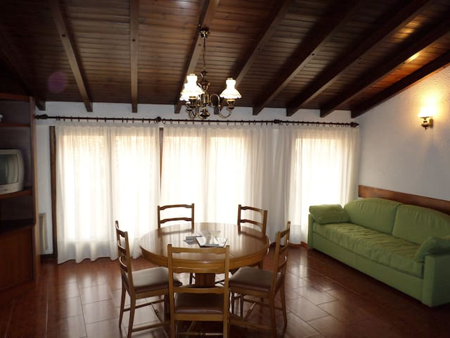 Spacious flat in the town centre - Tremosine - Apartamento