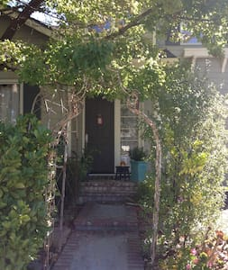 Room type: Entire home/apt Property type: House Accommodates: 5 Bedrooms: 3 Bathrooms: 2.5