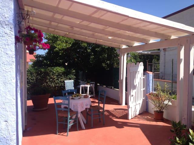 dependance: veranda esterna