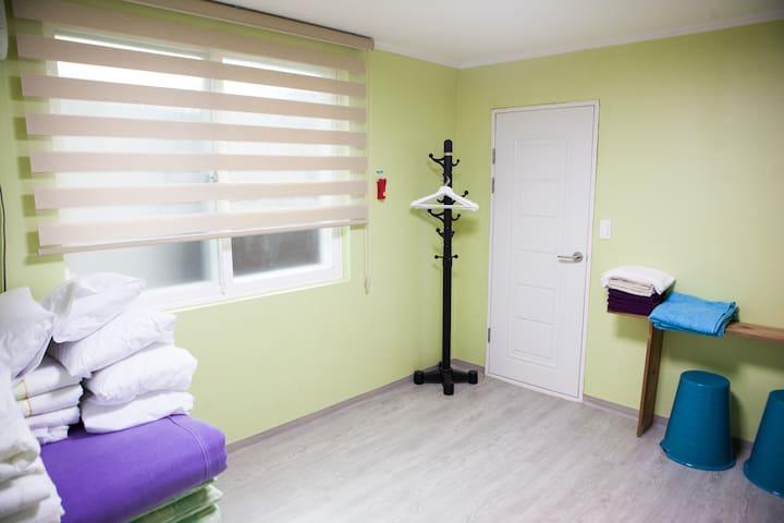 Hanshouse Familyroom A - Jongno-gu - Bed & Breakfast