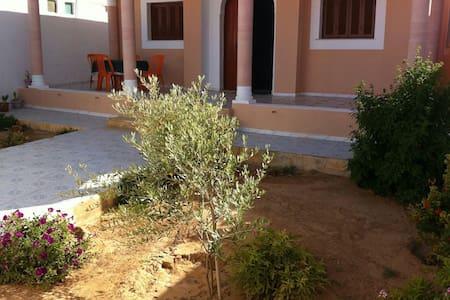 Villa möbliert 500m zu Meer - Zarzis - Dům