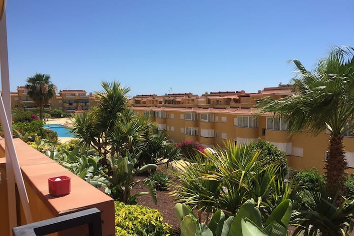 2Bdr apartment with large terrace sea view & patio