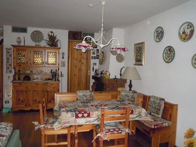 SULLE DOLOMITI CON I NOSTRI AMICI A 4 ZAMPE - Forni di Sopra - Wohnung