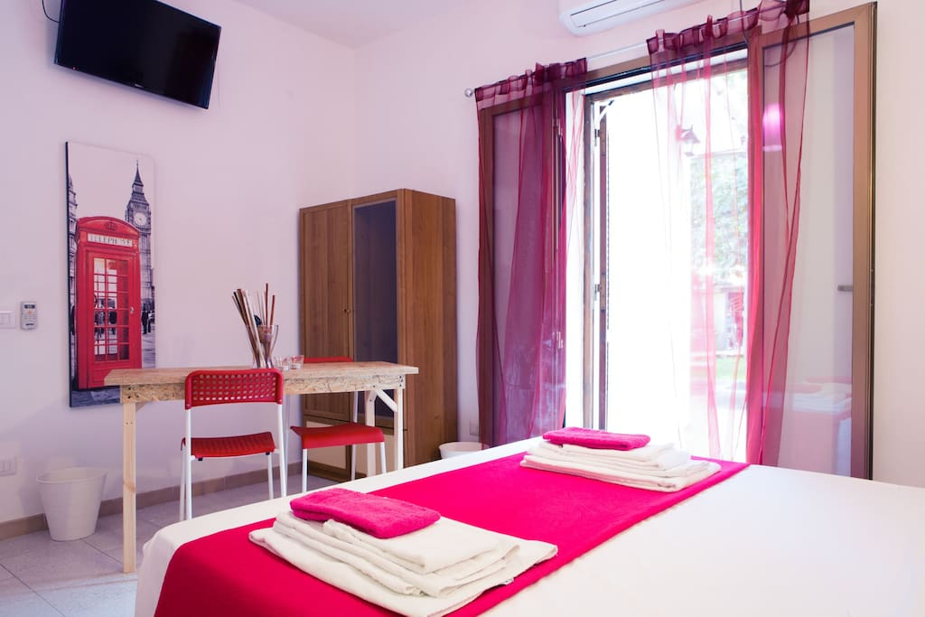 Violet room chambres d 39 h tes louer rome latium italie for Chambre d hote italie