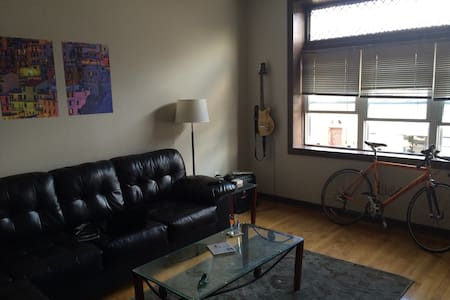 Large One-Bedroom Facing 18th St