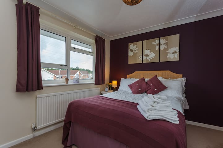 Quiet residential, close to Poole - Poole - Rumah