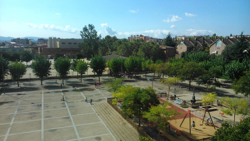 Double family room (bed + cradle) - Sabadell - Flat