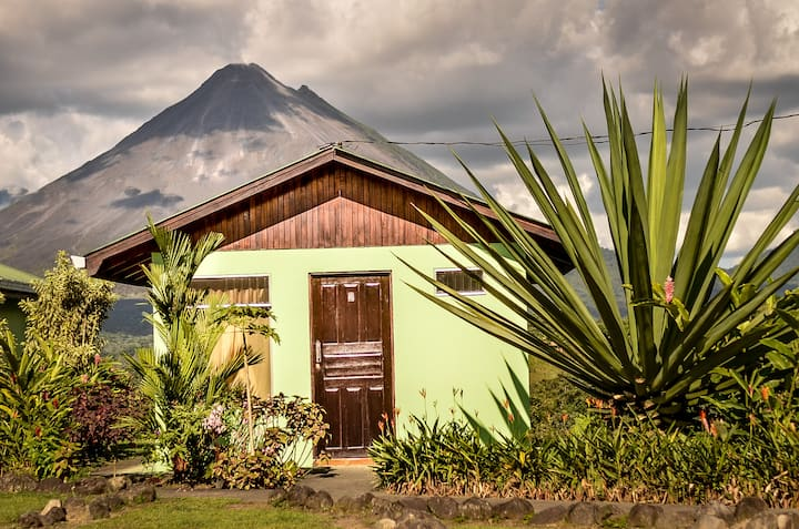 Bungalow Private Arenal Volcano & its  Lake View