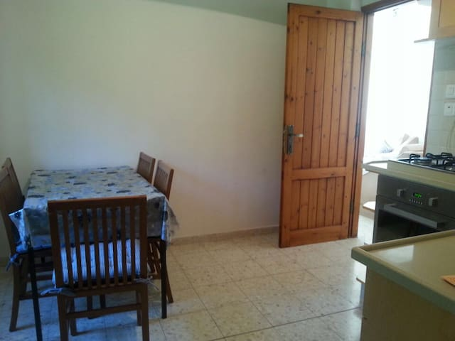 Beatiful 2 bedrooms near Jerusalem - Mevaseret Zion - Rumah