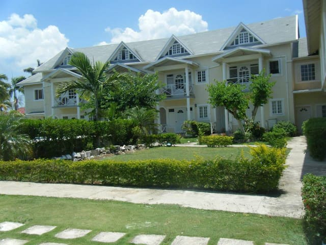 Club Caribbean Court A slice of Paradise - Runaway Bay St. Ann - Huoneisto