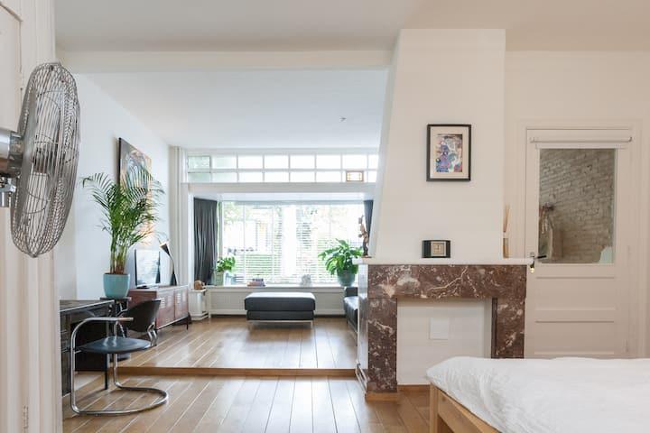 Spacious Studio Apartment with garden