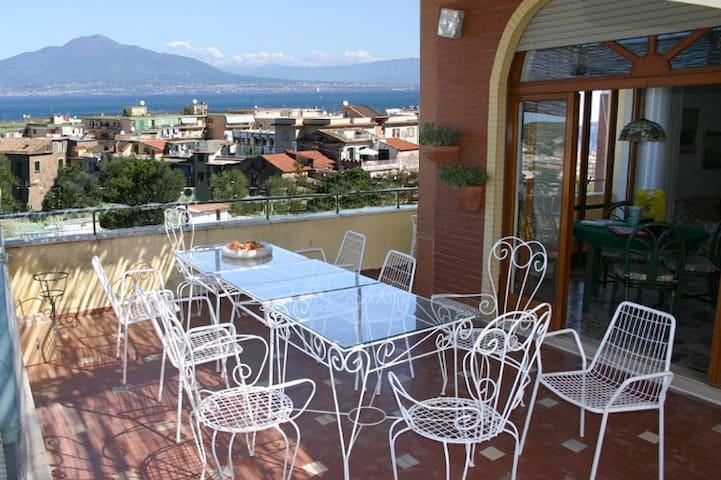 CHIARA APARTMENT WITH SEA-VIEW - Sorrento - Apartamento