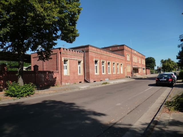 Erlebnis. Bahnhof-1841. Einzigartig. Bauhausnah... - Dessau-Roßlau