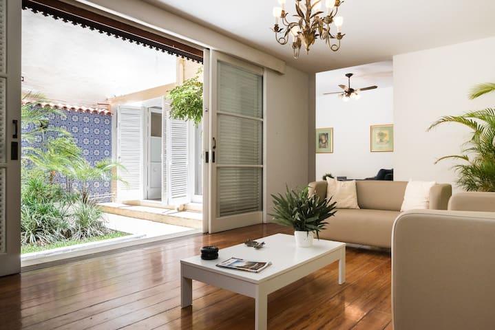 Quadra da praia de Ipanema, apartamento com jardim - Rio de Janeiro - Appartement