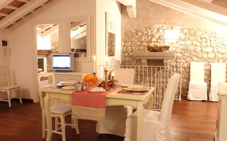 Residenza Dei TOLOMEI-Confort/relax - Polcenigo - 로프트