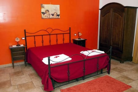 Camera quadrupla con terrazzino - Giurdignano