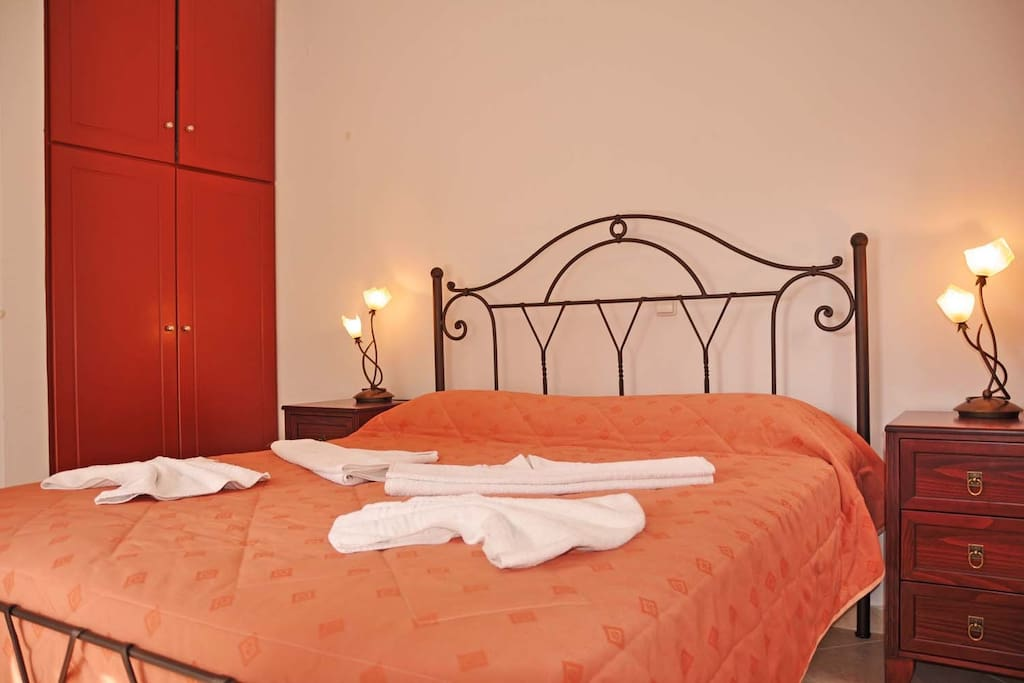 bedroom for 2 persons (1 double bed)
