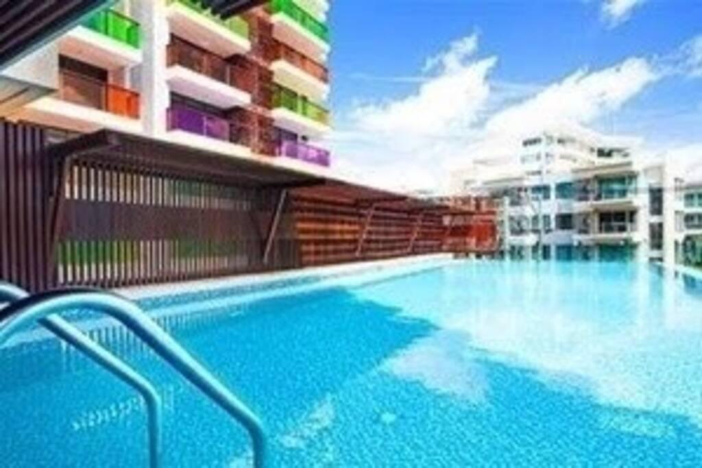 Common swimming pool of Rocco condo.