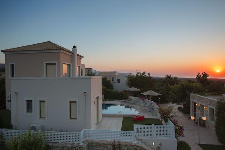 Relaxation & Views at the Village, Villa Antonios