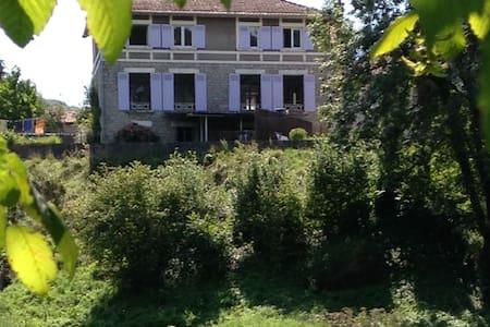 LES HAUTS DE LA LOUE - House