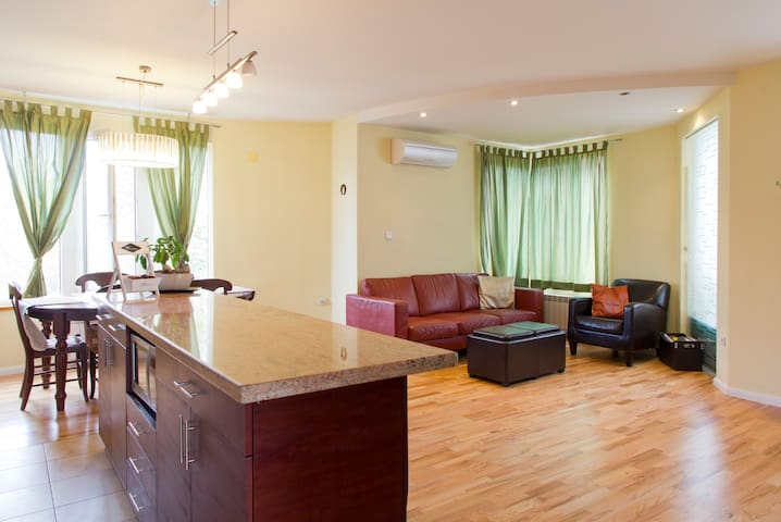 Luxury Place, Great for Families