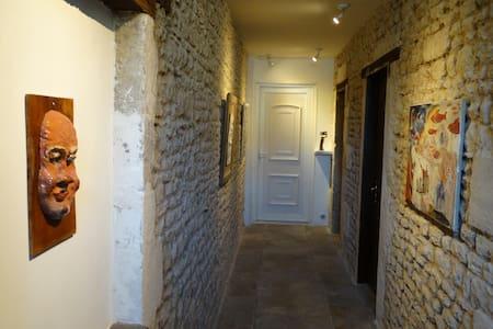 Chambre Baldaquin - La Mothe-Saint-Héray