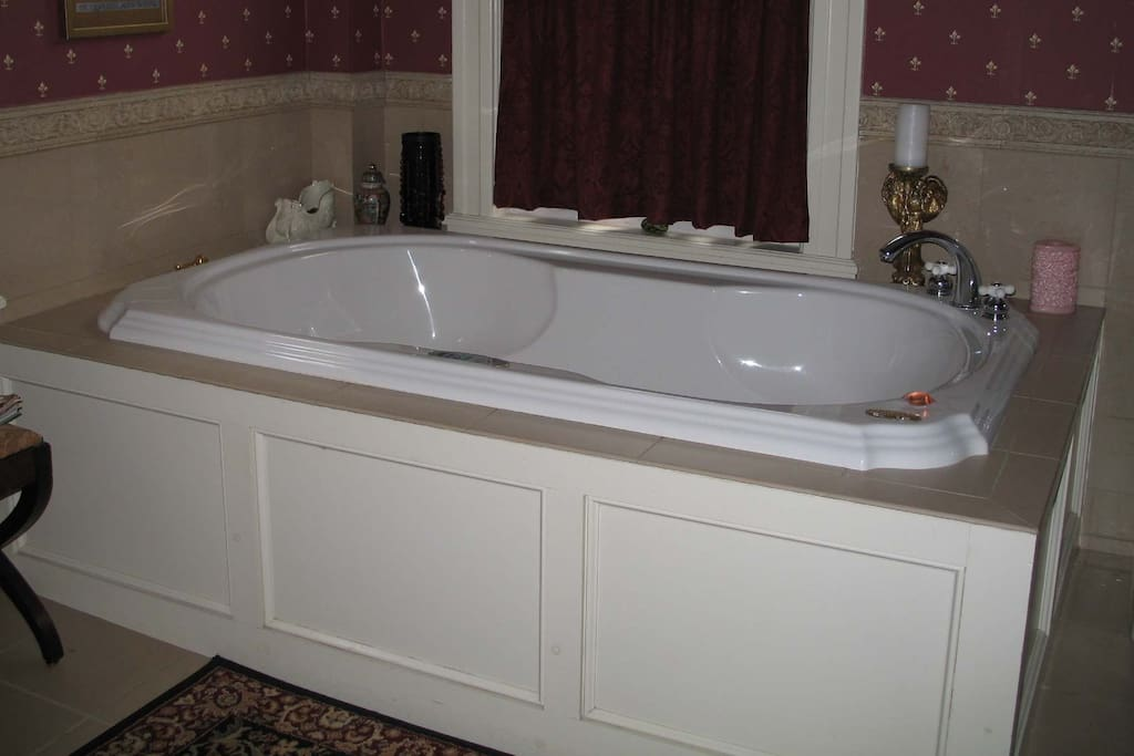 Time to relax in our 2 person Jacuzzi. Ahhh.