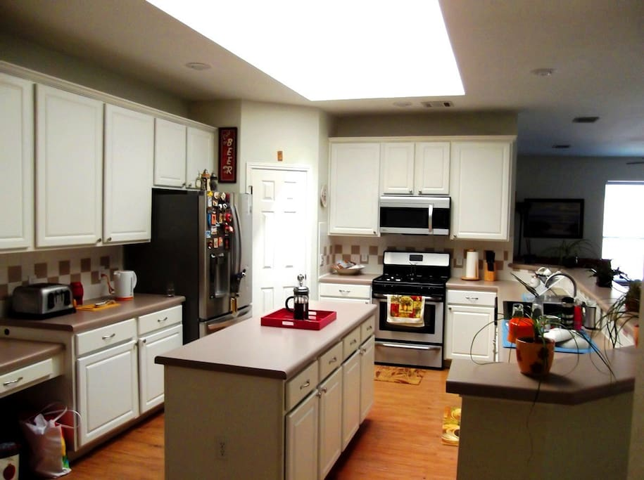 Spacious kitchen w/Skylight
