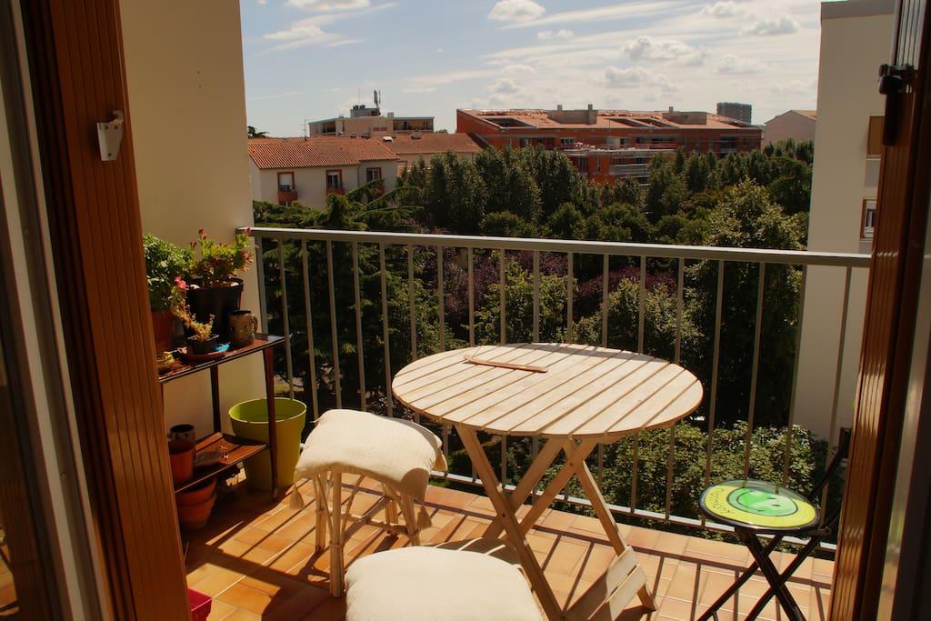 le balcon calme et ensoleillé, plein sud