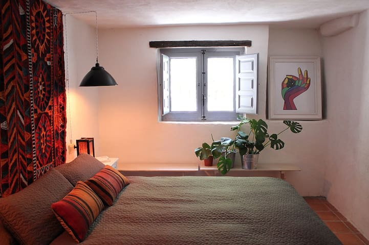Double room in boho country house in Los Cahorros - Monachil - Hus