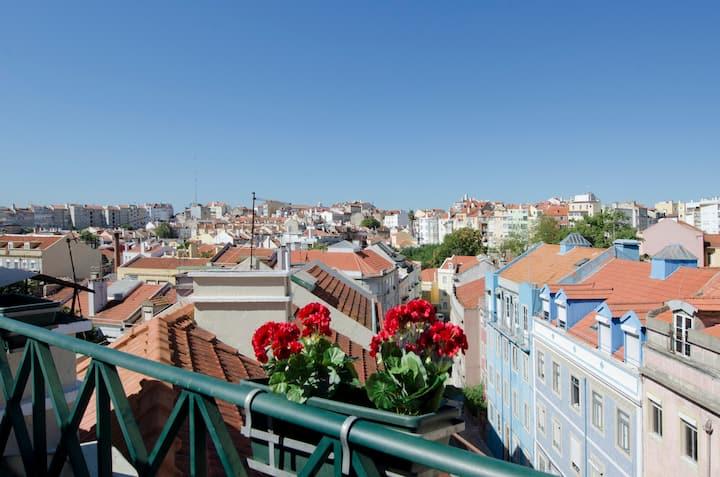 Modern Townhouse in old Lisbon