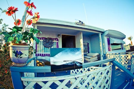 The Bombay Beach House - Bombay Beach - Maison